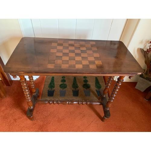 434 - Edwardian inlaid mahogany chess table on turned legs, 30