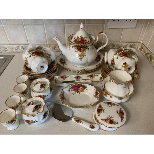 43 - 38 pieces Royal Albert 'Old Country Roses' teaware