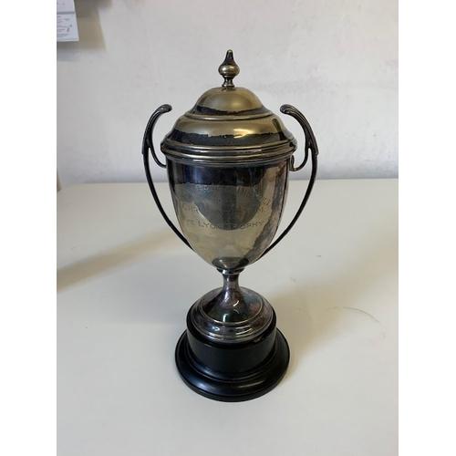 209 - Silver plate 'Pontefract & District Chrysanthemum Trophy' (plate worn)