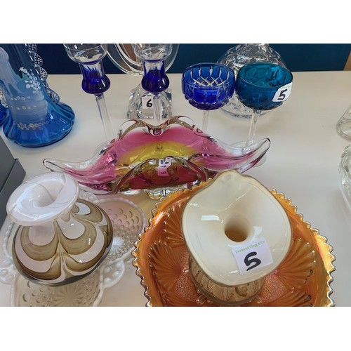 5 - 9 pieces of modern coloured glassware
