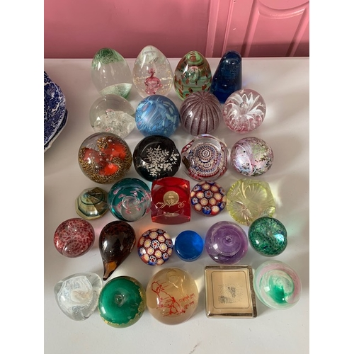 71 - 28 various glass paperweights