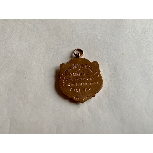 169 - 9ct gold pendant, reverse inscribed Flimby War Relief 1914-1918, weight 4.68gms