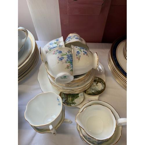 285 - 20 piece Royal Albert 'Forgetmenot' tea ware