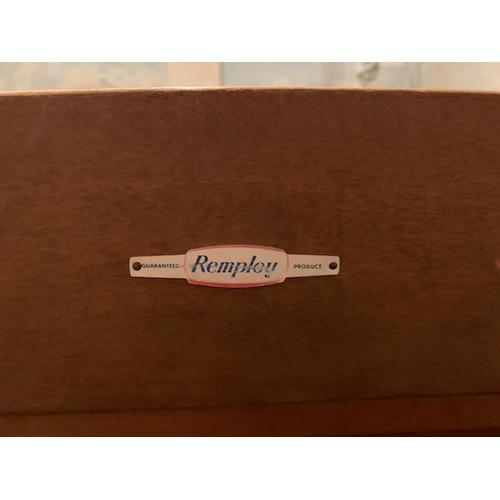 595 - Oak 'Remploy' 36