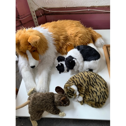 613 - Toy dog, 3 cats and rat