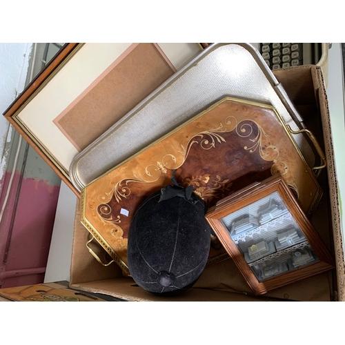 622 - Box of trays etc