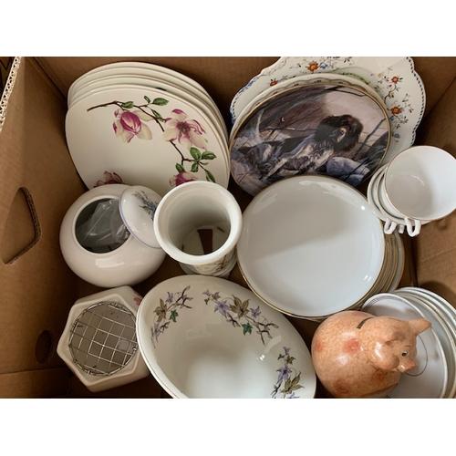 640 - 2 boxes of decorative china