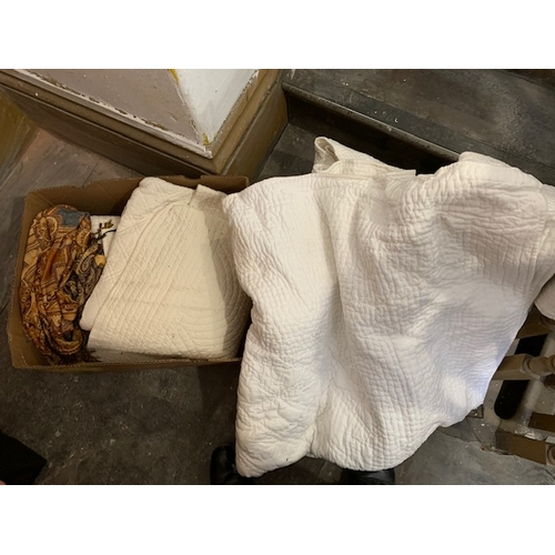 648 - Box of bedspreads