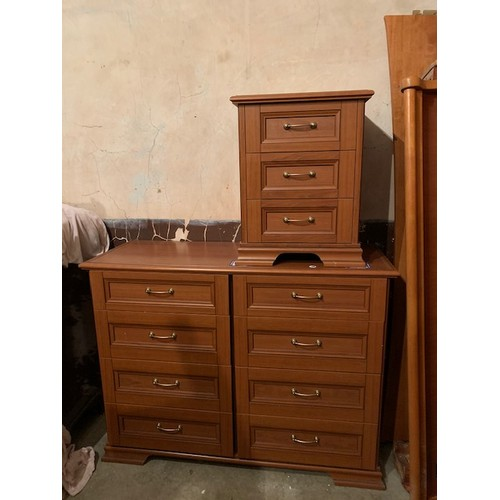 581 - Modern 8 drawer chest of drawers 50