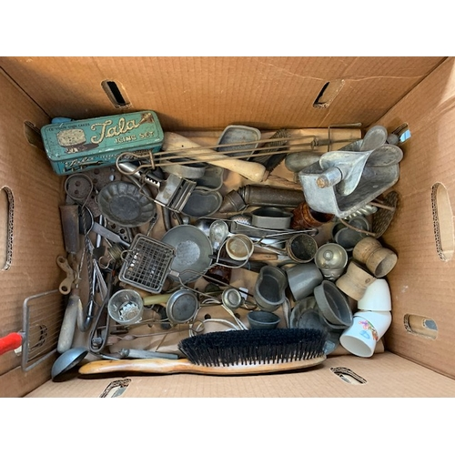 538 - 2 boxes of vintage mincers and other kitchenalia