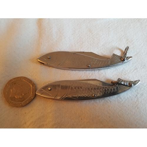40 - 2 x fish penknives...