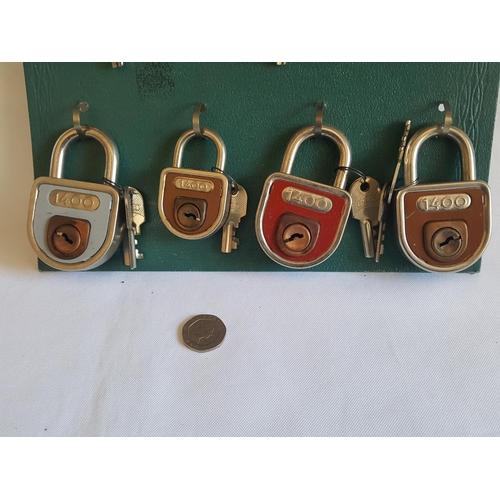 42 - vintage Elzett display board with 10 locks new old stock