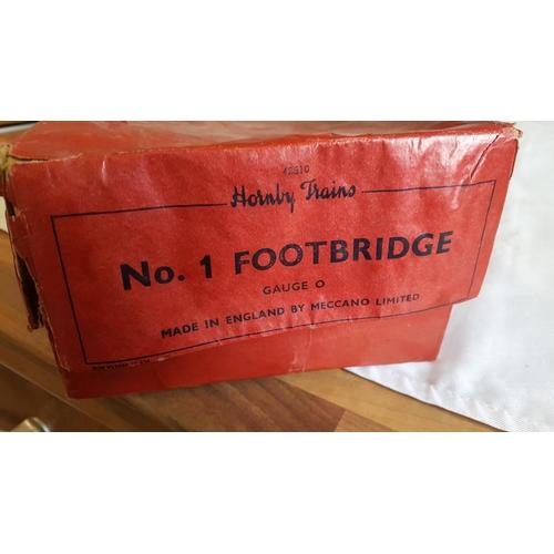 36 - Hornby o gauge no.1 footbridge