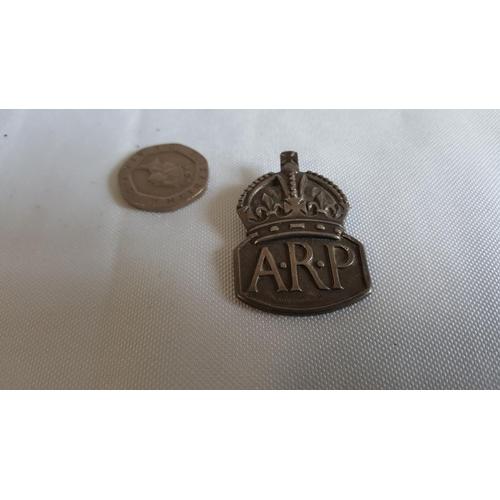 60 - WW2 ARP HM silver badge