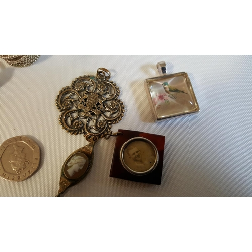 7 - mixed items of jewellery