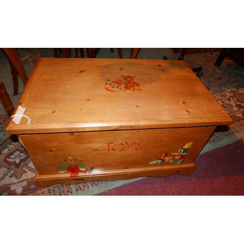 93 - A 20th Continental pine blanket chest with painted decoration, H.42cm W.82cm D.47cm...