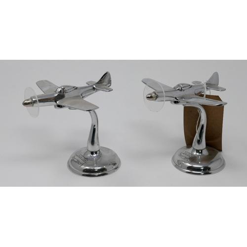 150 - A pair of chrome desk top model airplanes, H.14cm...