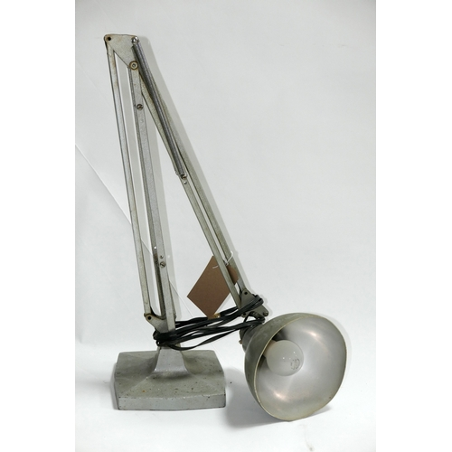 130 - A vintage anglepoise lamp...