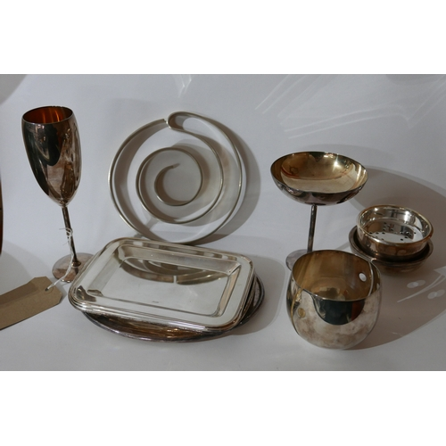 1204 - A collection of Zanetto silver-plated ware to include a candle holder H: 8cm, two strainers, trivet ...