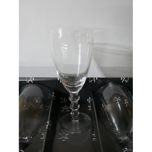 1236 - A boxed, set of 6 Mario Cioni, Italian, small wine glasses with 3 bobble stem, H: 16cm, Engraved to ...