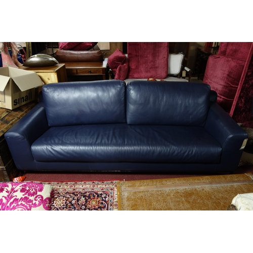 130 - A Nube Italia blue leather sofa bed, H.66 W.220 D.96cm...