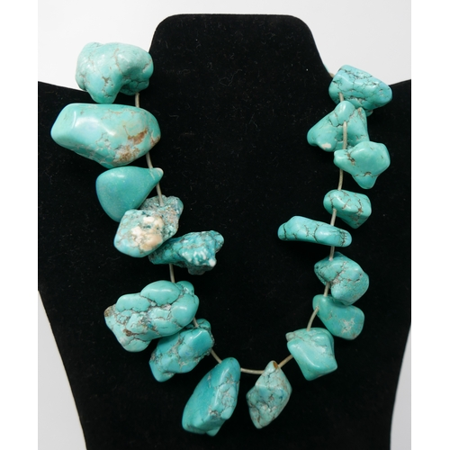 40 - A vintage chunky turquoise necklace composed of 21 large natural turquoise beads, L: 40cm, 320g appr...