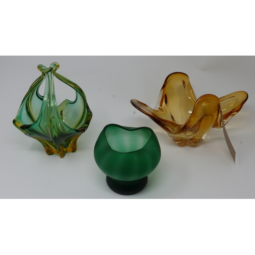 140 - Three pieces of Murano glass...