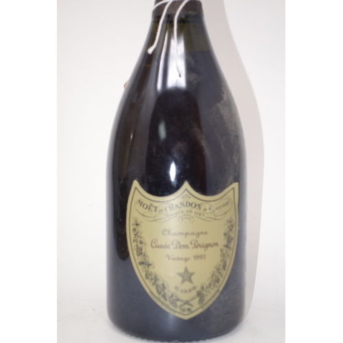 95 - A bottle of 1993 Dom Perignon champgane...