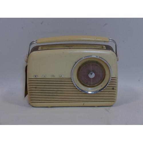 425 - A vintage bush radio...