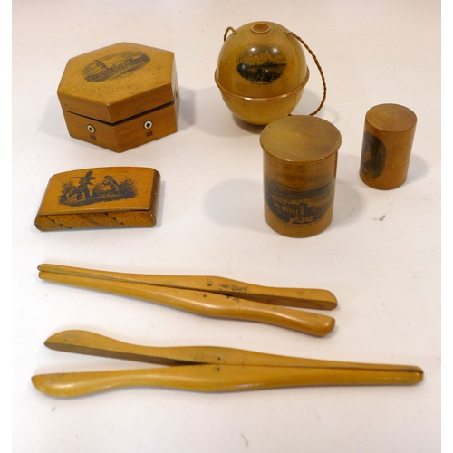 114 - A collection of antique treen items to include boxes, string dispenser and other items...
