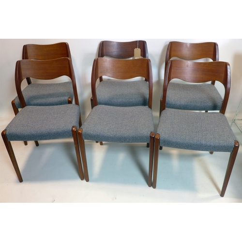 139 - A set of six mid 20th century danish teak dining chairs...