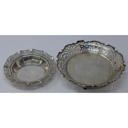 5 - Two silver dishes with pierced decoration, 13oz...