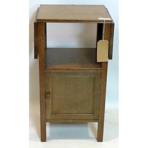 356 - A Waring & Gillows oak drop flap side table, H.76 W.79 D.33cm...
