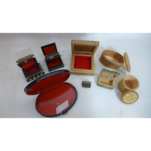 115 - A collection of vintage hand-painted and inlaid jewellery/trinket boxes, to include 2 hand-painted p...