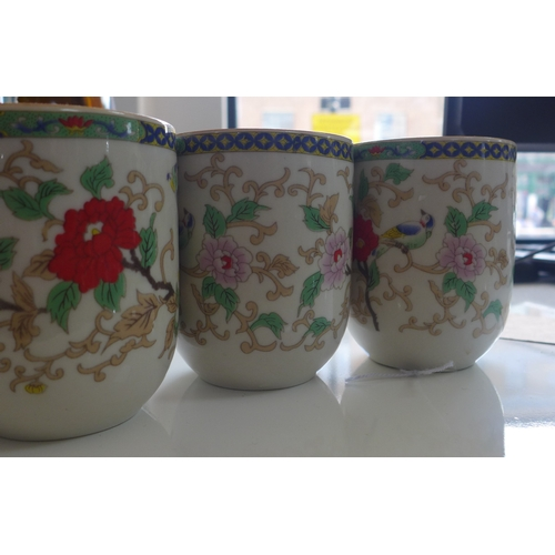 316 - A set of 3 Chinese, 20th century teacups, H: 8cm, dia: 6cm...