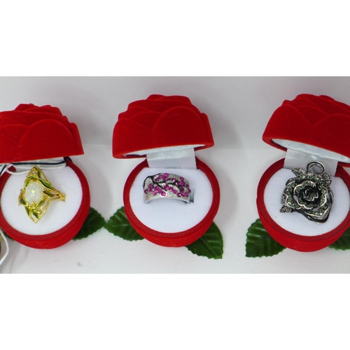 116 - 5 boxed gem set rings to include 3 sterling silver examples...