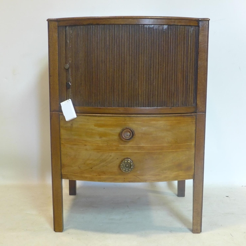 841 - A Georgian mahogany bedside commode, with tambour front, H.77 W.53 D.47cm...