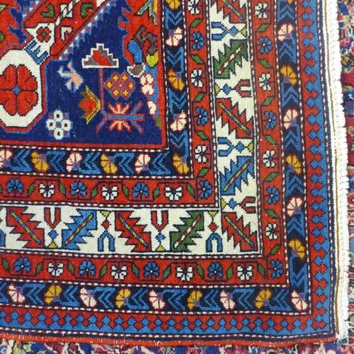 871 - A 20th century fine Shirvan rug, 205 x 125cm...