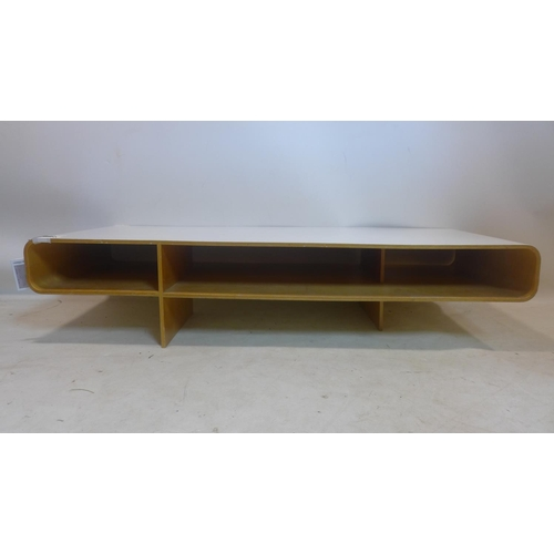 511 - A late 20th century Loop coffee table Designed by Barber & Osgerby, H.29 W.134 D.60cm...