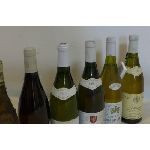 221 - A mixed collection of six bottles of wine, to include 1989 and 1990 Bourgogne Hautes Cotes de Nuits,...