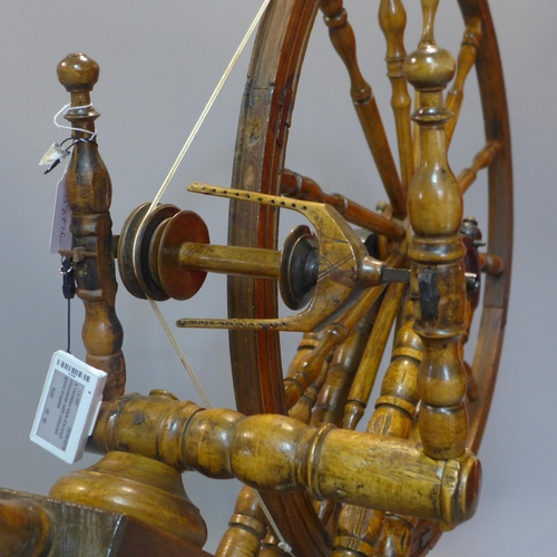 518 - 20th century Scandinavian spinning wheel (working)...