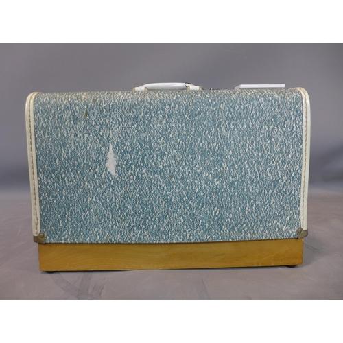 527 - A vintage Pinnock sewing machine...