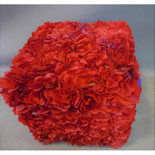 44 - A red roses garden stool, H.47 W.49 D.49cm...