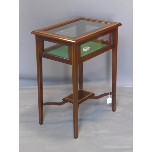 596 - A 20th century satinwood inlaid mahogany bijouterie table, raised on square tapered legs joined by x...