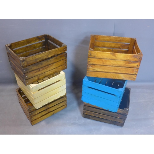 631 - A collection of six apple crates, H.31 W.50 D.40cm...