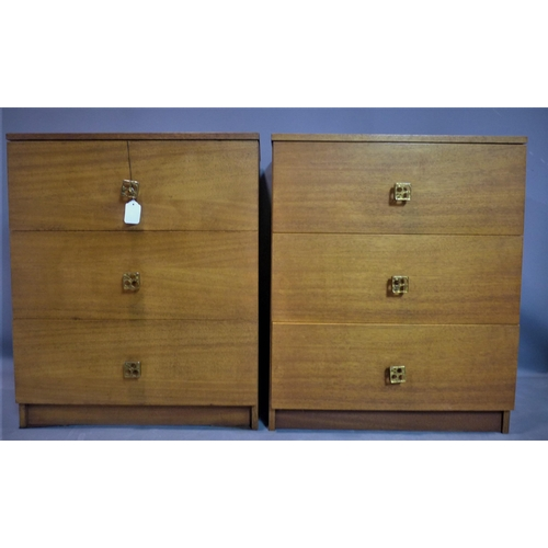 543 - A pair of 20th century chests of three drawers, H.75 W.62 D.41cm...