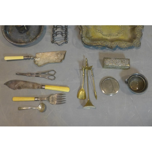 235 - A collection of miscellaneous silver plated and steel, including mother of pearl and bone handled, c...