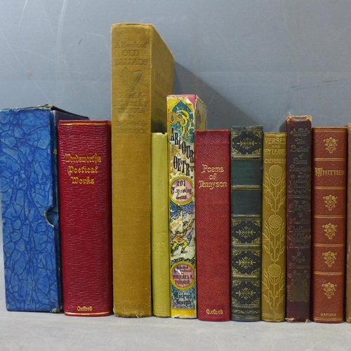 261 - Eighteen books of English masters of poetry late 19th early 20th century...