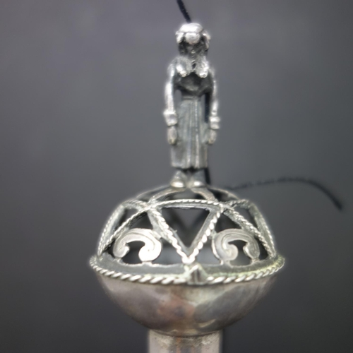 39 - A late 19th century Russian silver Judaic Torah pointer, Moscow 1870, possibly Viktor Vasilyevich, h...