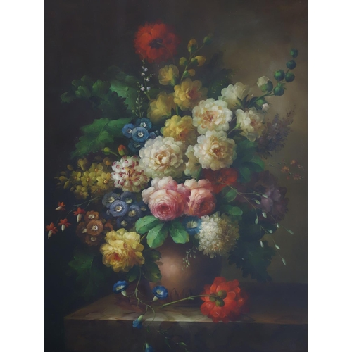 276 - A Large 20th century Still Life Oil on canvas, set in gilt frame, signed, 100 x 75cm...